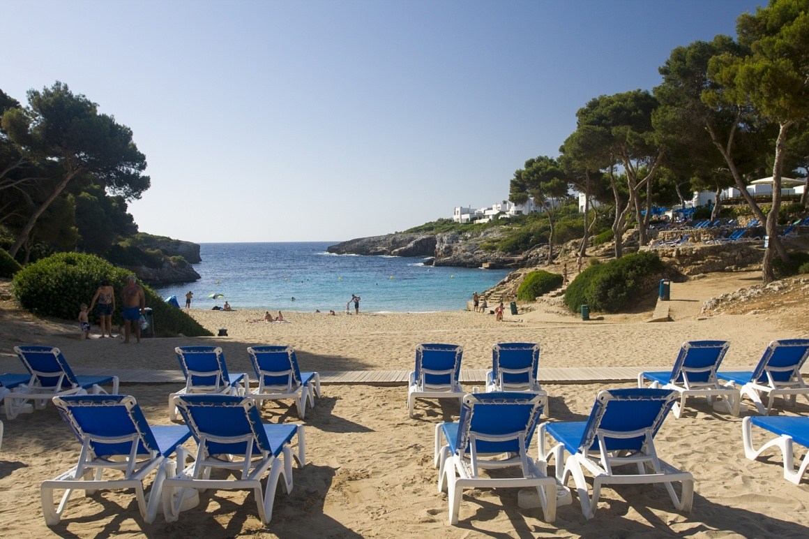 'Cala D'Or hotel beach in Majorca' - Majorque