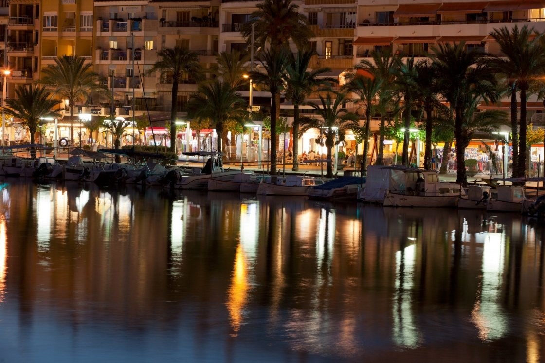 'Alcudia marina at night. Majorca, Spain' - Majorque